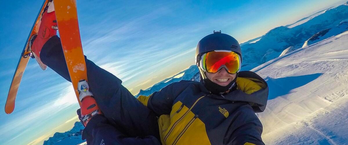 Aidez Dylan à remonter sur ses skis !