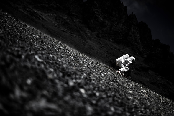 Moontain Skiing