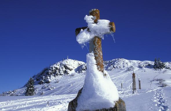 Les Brasses, Une destination de montagne et de traditions