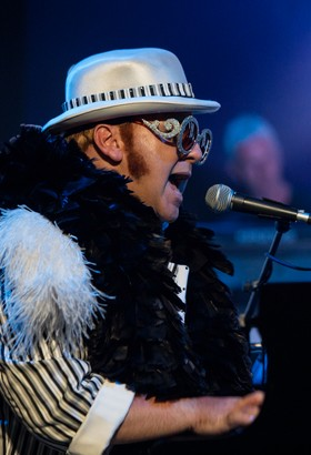 POP LEGEND : THE ROCKET MAN TRIBUTE TO SIR ELTON JOHN
