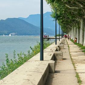 Esplanade du lac AIX LES BAINS